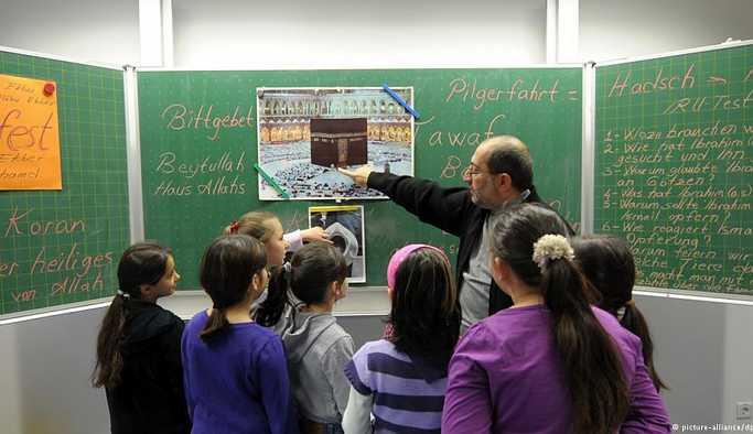 Almanya'da 54 bin öğrenci İslam dersi alıyor