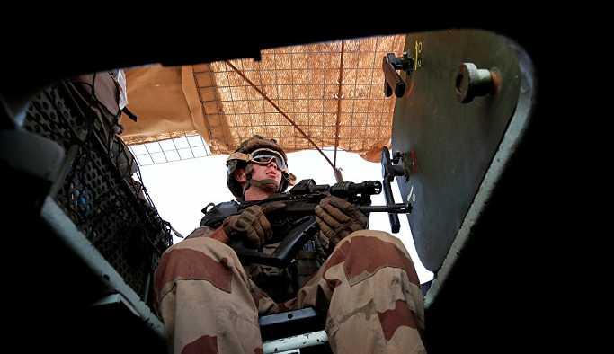 Fransız askerleri görüntülendi: 50 asker, Menbiç'in sınırlarında nöbet tutuyor