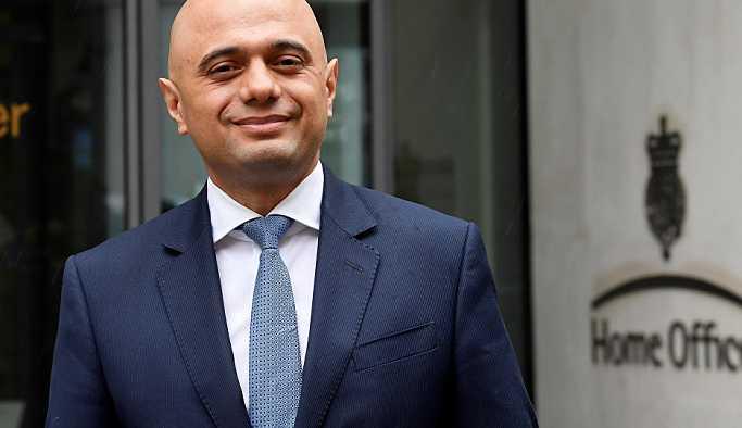 Göçmen skandalı sonrası istifa eden İngiltere İçişleri Bakanı Rudd'un yerine Pakistan kökenli Javid