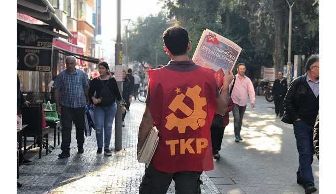 İstanbul'da polisten TKP'lilere silahlı tehdit