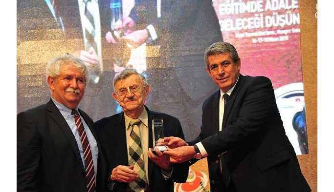Korkut Boratav'a Aydınlanma Onur Ödülü