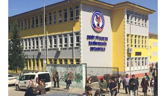 Okulu 'BBG evi'ne çeviren müdüre tepki
