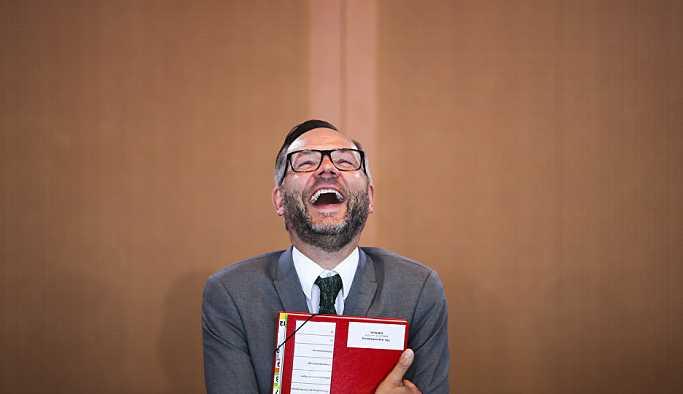Alman Bakan Roth, 24 Haziran seçimlerinde Almanya'nın hedef alınmamasını istedi