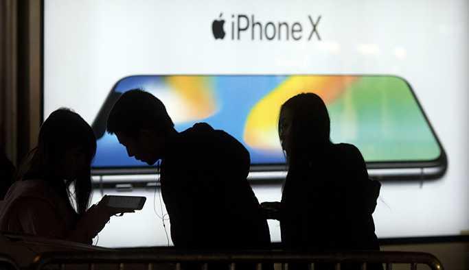 Apple'ın iPhone satışları düştü