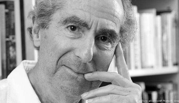 Edebiyatçı Philip Roth hayatını kaybetti