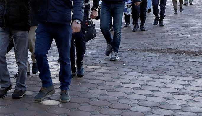İzmir'de 118 eve FETÖ operasyonu: 72 gözaltı