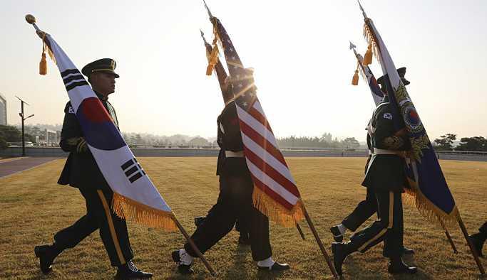 Moon: Güney Kore'deki ABD askerlerinin barış anlaşmasıyla ilgisi yok