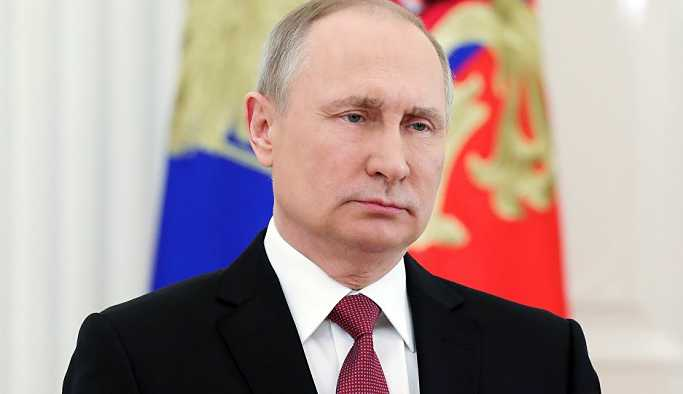 Putin'in gizli limuzini 'Kortej' Moskova'da kameralara yakalandı