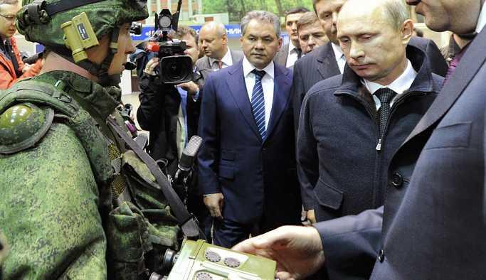 Putin: Rus ordusuna bu yıl 10 yeni savaş gemisi ve 160 hava aracı geliyor