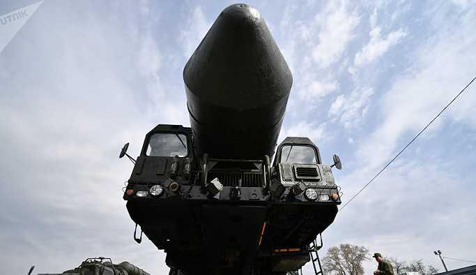 Putin: Rus savunma sanayii bu yıl Yars füze sistemlerine kavuşacak