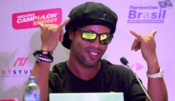 'Ronaldinho aynı anda iki kadınla birden evlenecek'