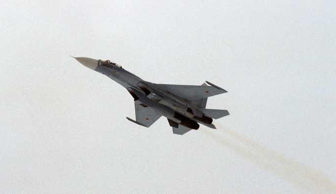 Rus Su-27 jetinden ABD savaş uçağına Baltık Denizi üzerinde önleme