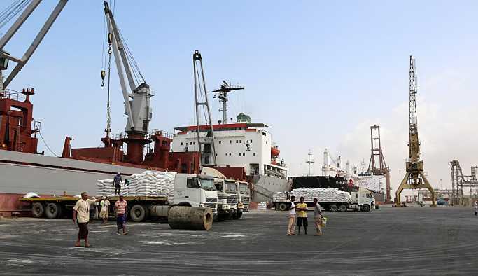 Yemen'e giden Türk gemisinde patlama