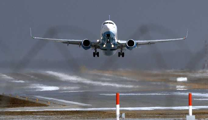 Bomba notu bulunan yolcu uçağı acil iniş yapmak zorunda kaldı
