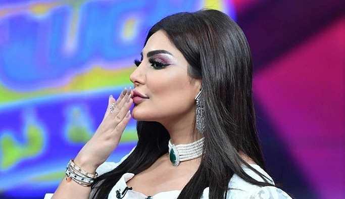 Kuveytli televizyon sunucusu kıyafeti yüzünden işinden oldu