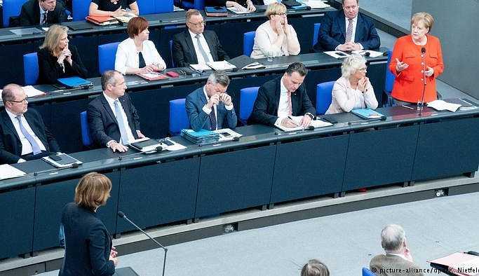 Merkel: Türkiye ile mülteci mutabakatının dışında anlaşma yok