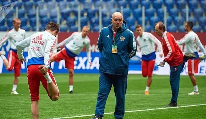 Rusya Futbol Milli Takımı Teknik Direktörü: Mo Salah'a karşı hazırlıklıyız