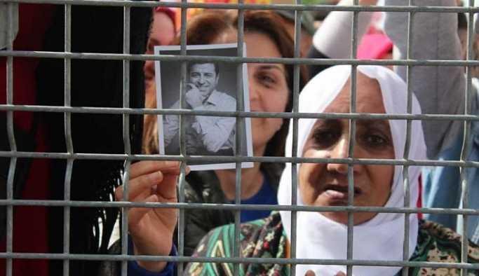 SAMER: HDP oylarını artırıyor, AKP'de kararsızlar dikkat çekiyor