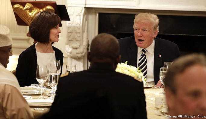 Trump Beyaz Saray'da ilk iftar yemeğini verdi