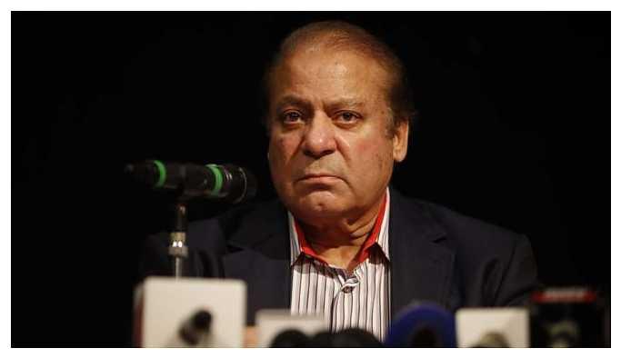 Hapis cezası alan eski başbakan Şerif Pakistan'a dönüyor