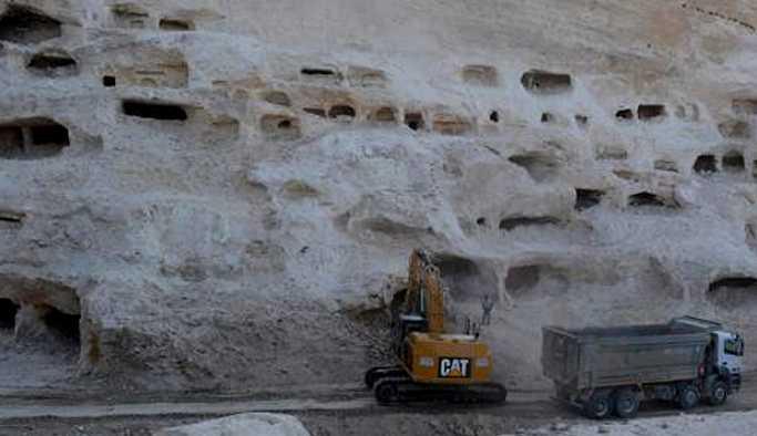Hasankeyf'te beş katlı yüzlerce yeni mağara bulundu
