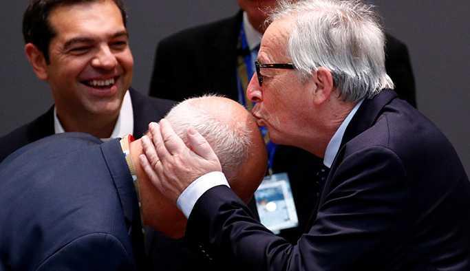 Juncker'in NATO zirvesinde güçlükle ayakta durmasının nedeni açıklandı