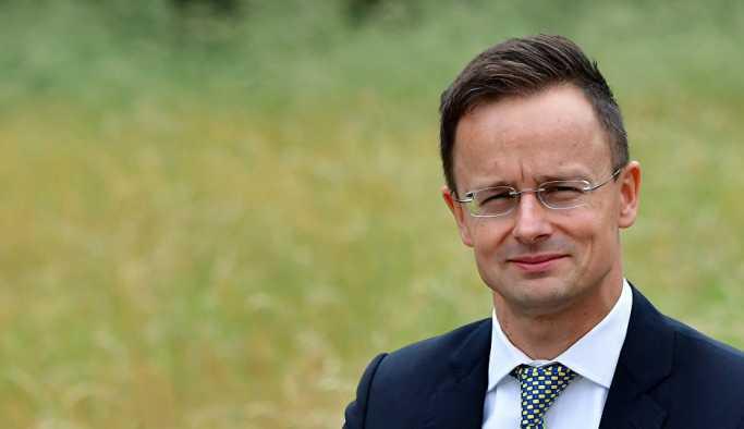 Macaristan Dışişleri Bakanı: BM'nin göçmen paktından çekiliyoruz