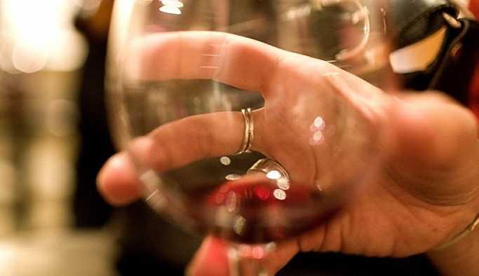 Türk dizilerinde 'şarap' sansürü
