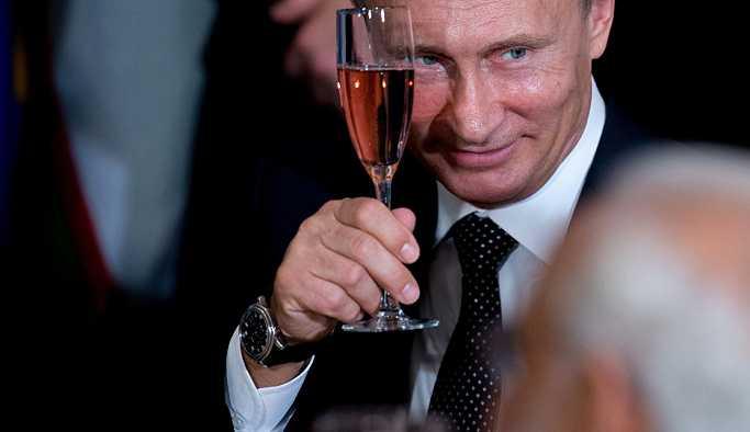 Avusturya basınına göre, Putin'in Batı'da popüler olmasının 3 nedeni var