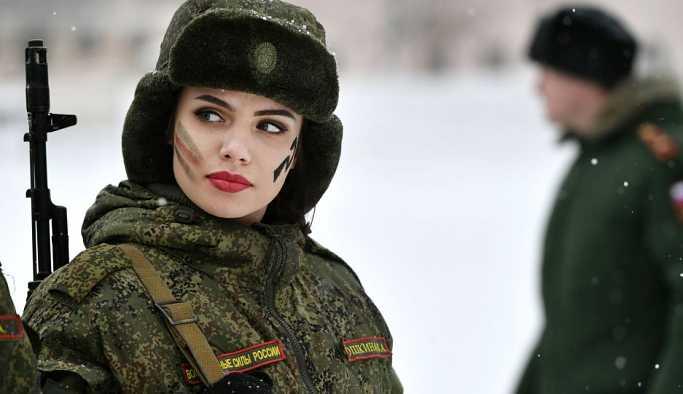 Bakan Şoygu'dan, kadınlara orduda daha fazla kariyer imkânı