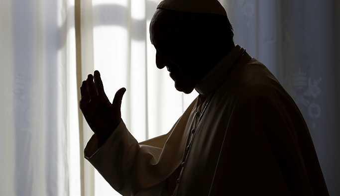 Başpiskopostan Papa'ya 'cinsel istismara göz yumduğu gerekçesiyle' istifa çağrısı