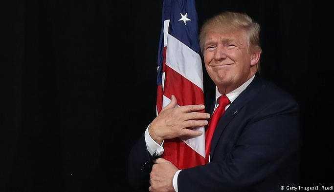 Eski yardımcısından Trump'a 'ırkçılık' suçlaması