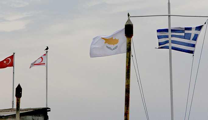 """""""Kıbrıs'a Türkiye üssünün kurulması için geç bile kalındı"""""""
