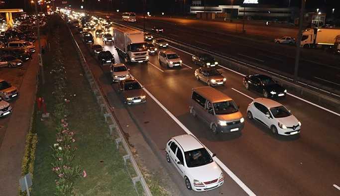Kurban Bayramı dönüşü trafik yoğunluğu başladı