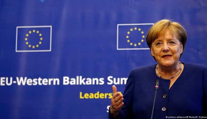 Merkel Batı Afrika turuna çıkıyor