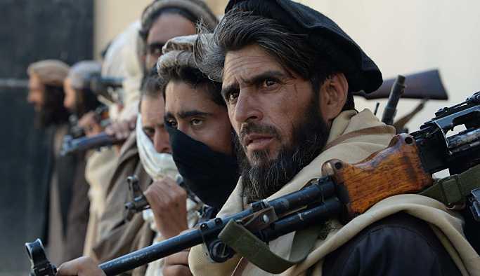 'Rus uçağının bombardımanında 8 Taliban üyesi öldü'