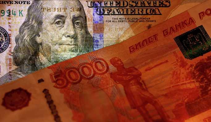'Türkiye'deki panik devam ederse, dolar 70-75 rubleyi bulabilir'