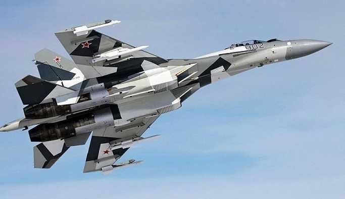 ABD kaynaklı dergi, Rus Su-35 ve Amerikan F-22 uçaklarını karşılaştırdı