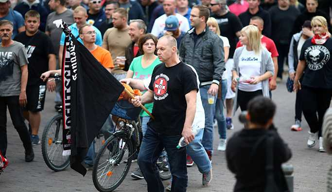 Almanya Başbakanı Merkel, Köthen'de atılan Nazi sloganlarına 'öfkeli'