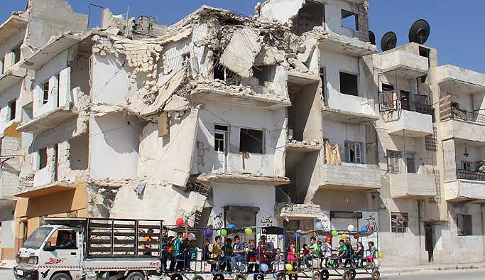 BM: İdlib'e operasyon olursa 900 bin kişi göçe zorlanır