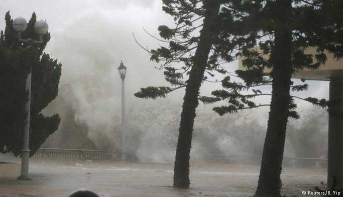 Filipinler'de can alan Mangkhut tayfunu Çin'e ulaştı