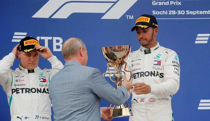 Formula 1 Soçi'de zafer Hamilton'ın