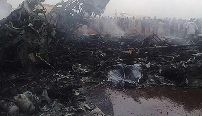 Güney Sudan'da yolcu uçağı düştü: Yalnızca 3 kişi kurtuldu