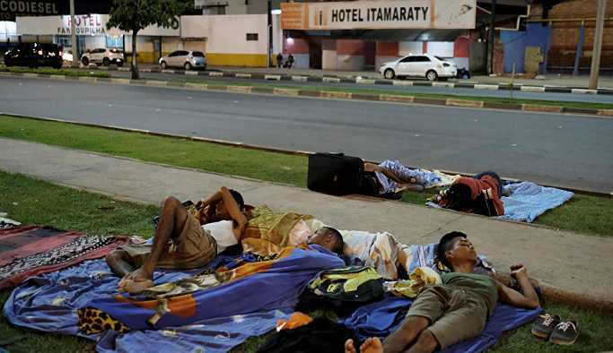 Hayatlarından endişe eden göçmenler, Venezüella'ya geri dönüyor