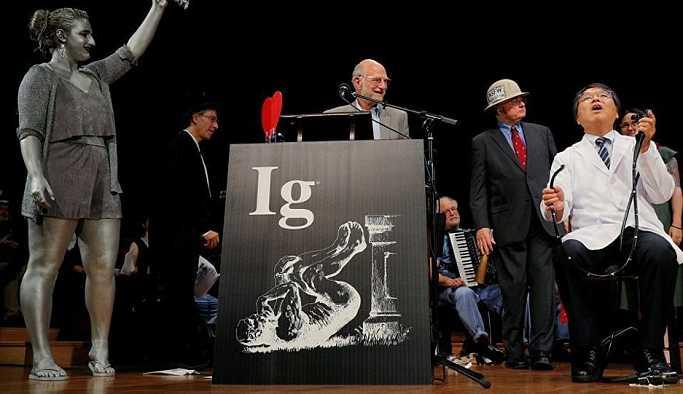 'Kendi kendine kolonoskopi çalışması' Ig Nobel Ödülü kazandı