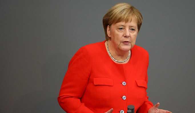 Merkel: Almanya, Suriye'de kimyasal silah kullanılmasını görmezden gelmeyecek
