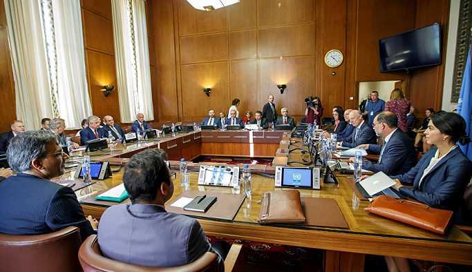 Rus, Türk ve İranlı temsilciler ile BM temsilcisi Mistura arasındaki Suriye görüşmesi başladı
