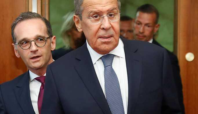 Rusya'nın İdlib'de savaş suçu işlediği iddialarına Lavrov'dan yanıt