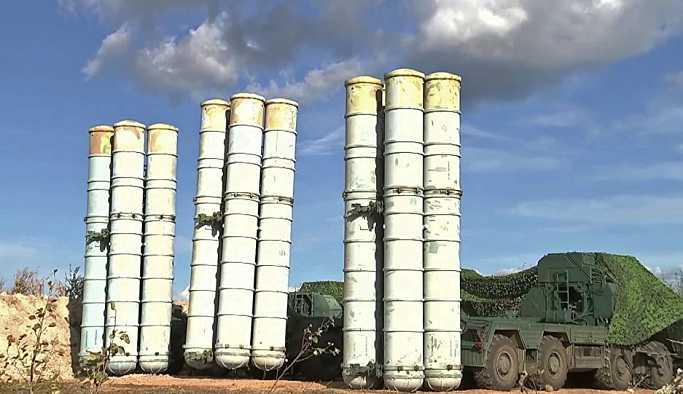 Rusya'nın yakın tarihindeki en büyük askeri tatbikatında S-300 ve S-400'lü gövde gösterisi