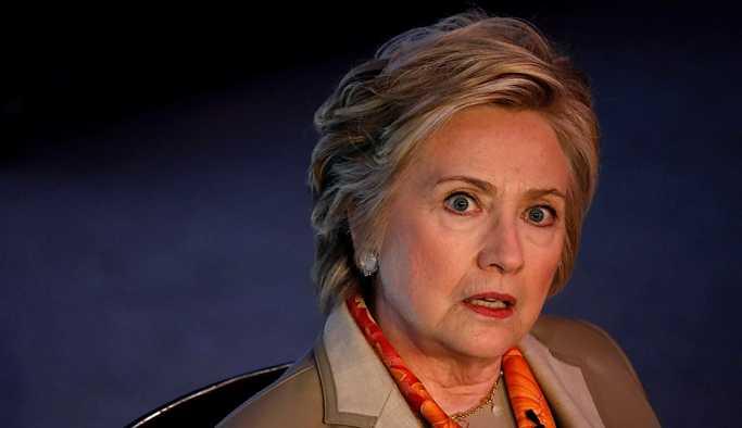 Clinton'un gizli bilgilere erişimi iptal edildi